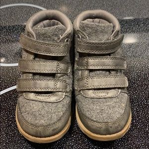 Toddler boy shoes/boots. Carters. 8C